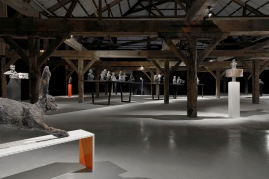 Vue d'ensemble de l'exposition aux docks du Havre